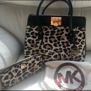 Michael Kors Bag and Wallet set